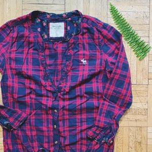 ABERCROMBIE & FITCH • buffalo plaid top